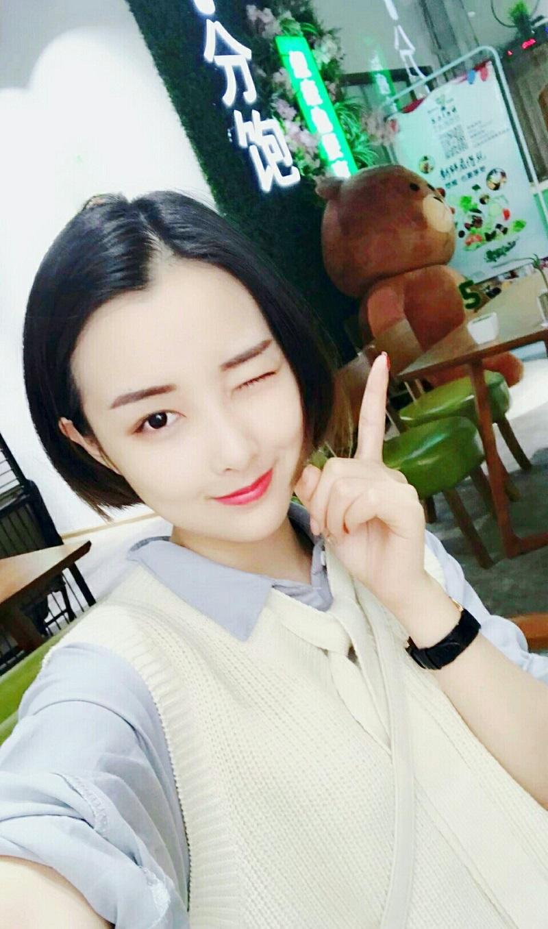 Khí chất, xinh đẹp hơn xưa nhưng 'hot girl quán net' Đóa Nhi lại bị fan nam 'quay lưng' 7