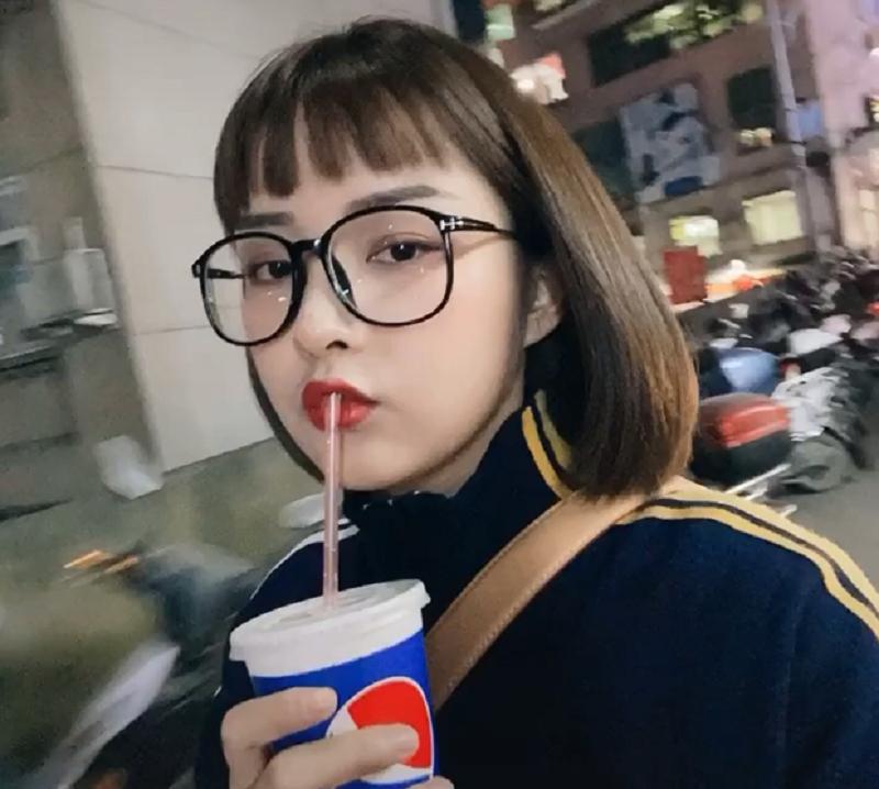Khí chất, xinh đẹp hơn xưa nhưng 'hot girl quán net' Đóa Nhi lại bị fan nam 'quay lưng' 9