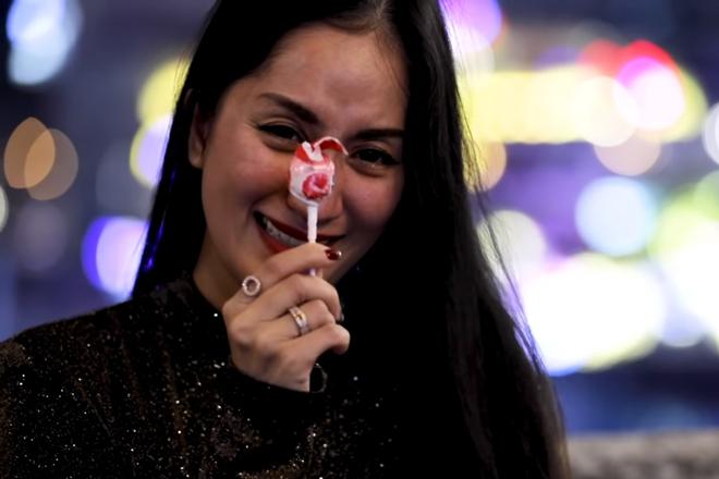 Quà Valentine của sao Việt: Người xế hộp - kim cương, người kẹo mút - hoa hồng-4