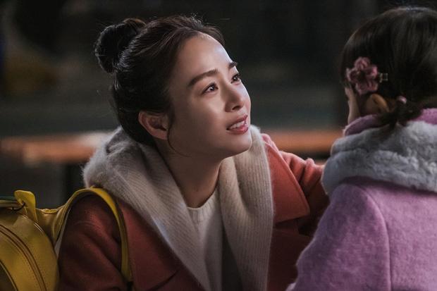 """""""Hi Bye, Mama"""": Giàu """"nứt vách"""" như Kim Tae Hee nhưng cứ chỉ có một bộ trang phục để đóng phim, vì sao thế này? - Ảnh 2."""