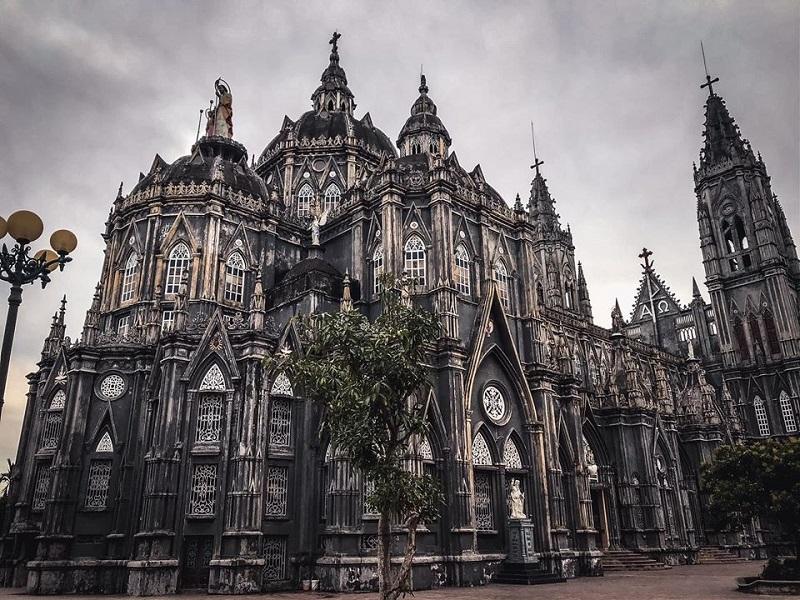 Fan Harry Potter thi nhau check-in tại nhà thờ ở Nam Định, hoành tráng chẳng thua gì trường Hogwarts 0