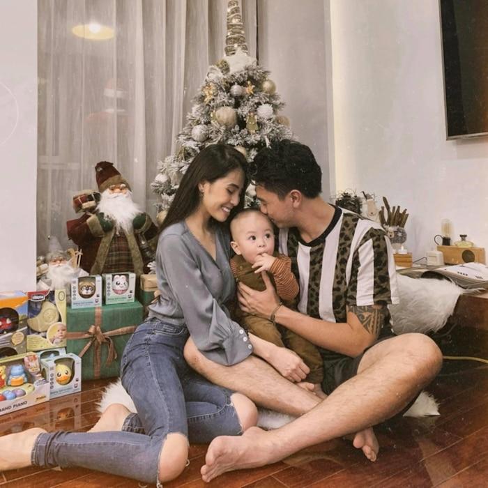 """Không chỉ khiến dân tình ngưỡng mộ với cuộc hôn nhân viên mãn, Kiều Anh còn gây chú ý bởi nhan sắc xinh đẹp, gợi cảm dù đã là """"mẹ 1 con""""."""
