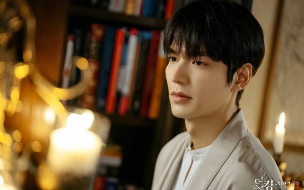 Tạo hình của Lee Min Ho trong Quân vương bất diệt
