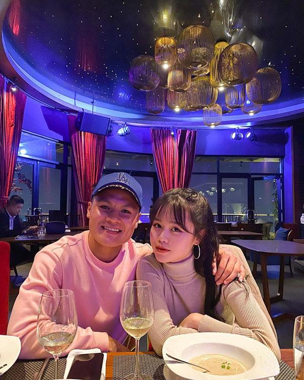 Gia thế 'khủng' của bạn gái mới Quang Hải: Có bố ở nước ngoài, thường xuyên du lịch sang chảnh 0