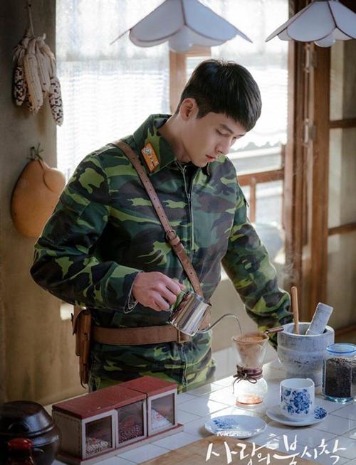 Phim của Son Ye Jin - Hyun Bin 'ngập' đồ ăn Triều Tiên - Ngôi sao