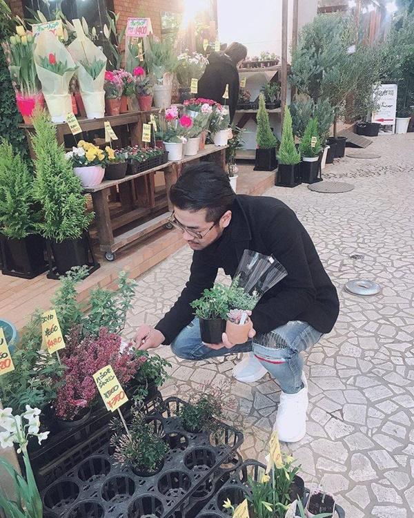 Mua hoa như các oppa Hàn Quốc này