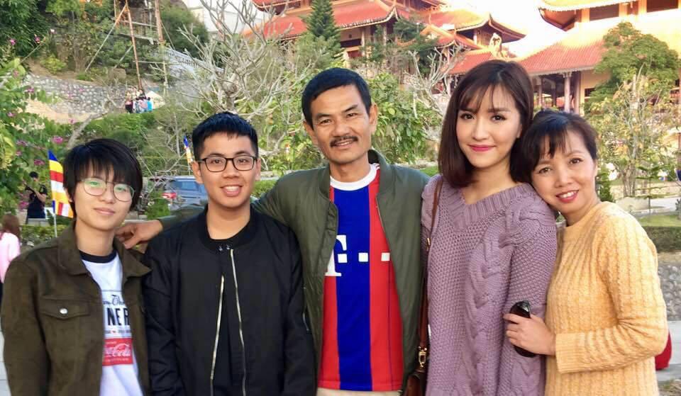 Những lần giục con gái lấy chồng 'cực gắt' của mẹ Bích Phương khiến người hâm mộ không khỏi 'cười té ghế' 0