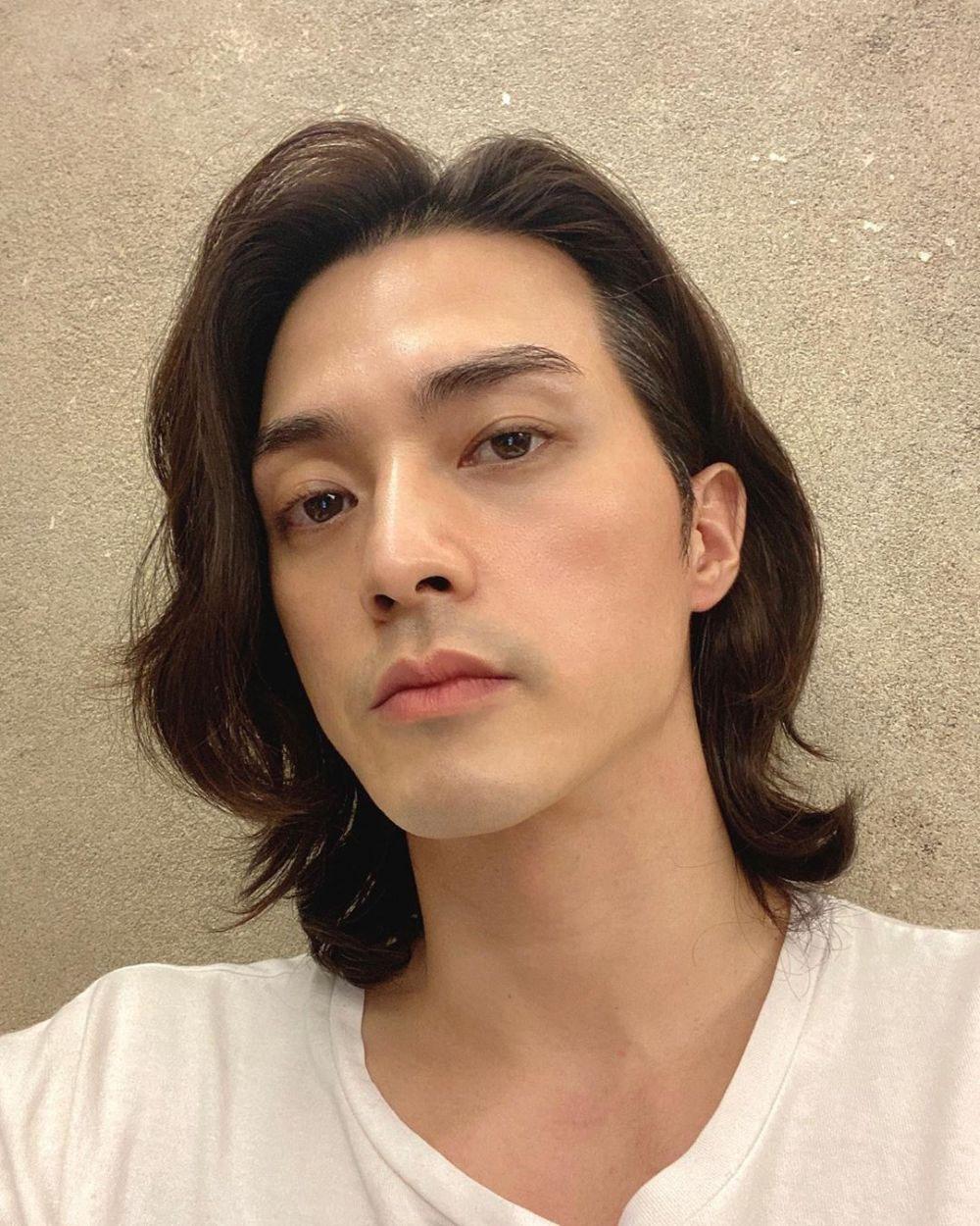 Kim Ji Hoon đã thành công khắc họa một Baek Hee Sung khiến khán giả lo sợ khi mới chỉ nhìn qua đôi mắt