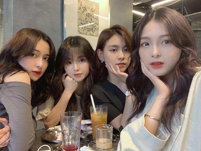 Nhóm bạn thân mệnh danh 'tứ đại mỹ nhân của làng Hot girl Việt' : Xinh đẹp, nổi tiếng còn tài năng khiến ai cũng ghen tỵ