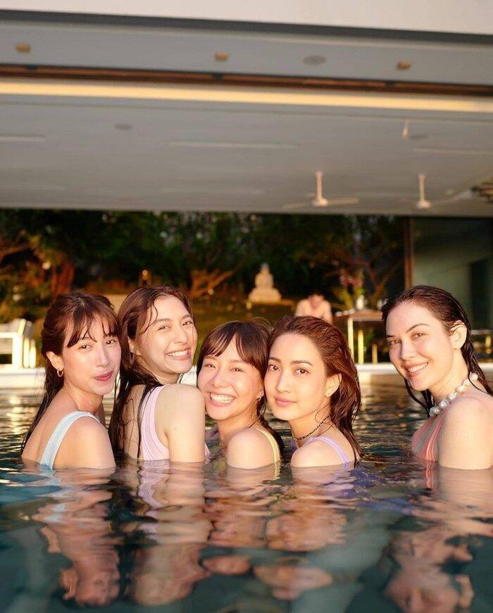 Taew Natapohn cùng hội chị em thân thiết trong cùng đài 3