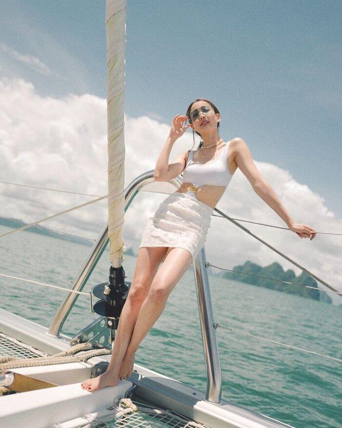'Nữ thần rắn' Taew Natapohn lần đầu tiên khoe hình quyến rũ bên bạn trai đại gia mới trên mạng xã hội 6