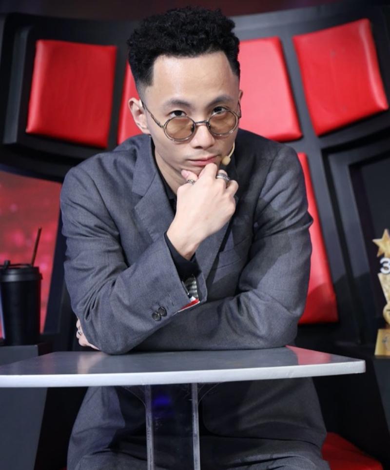 'Profile' khủng của Rhymastic được Trấn Thành, Tóc Tiên hé lộ trong 'Siêu trí tuệ Việt Nam' 0