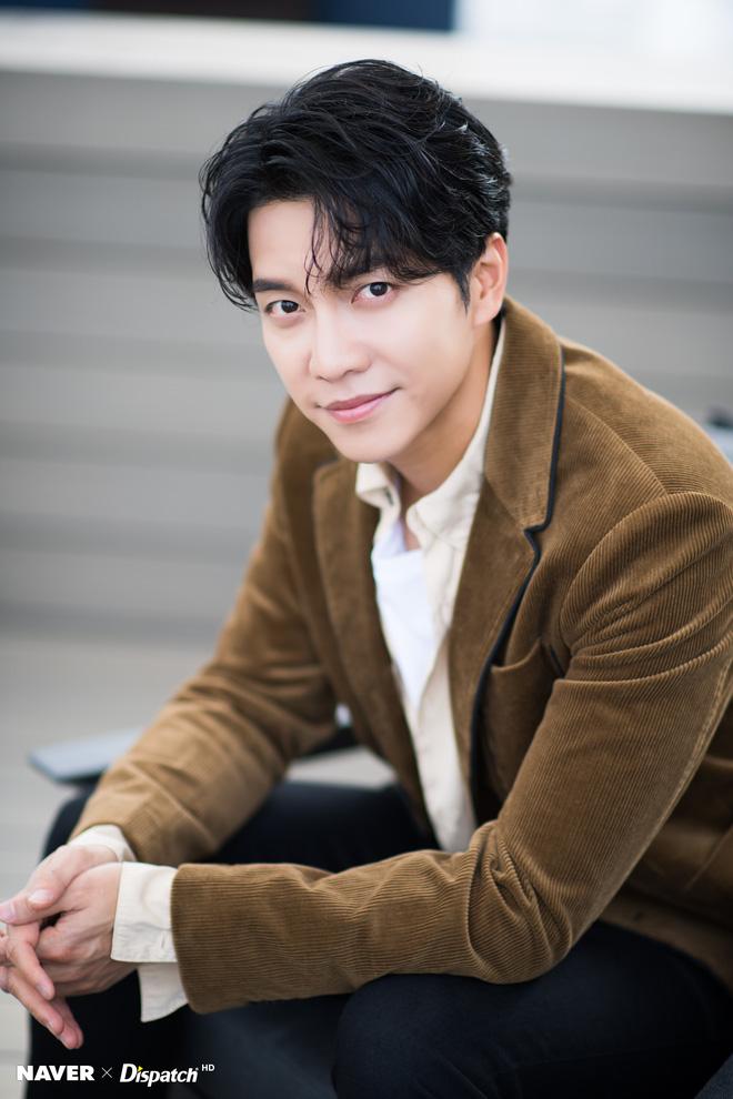 """HOT: Tài tử Lee Seung Gi hẹn hò con gái của """"Mama Chuê"""" sau 6 năm chia tay Yoona (SNSD) - Ảnh 2."""